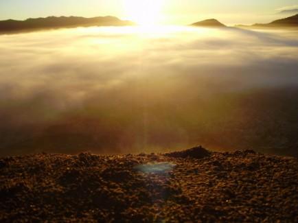 Sunrise du haut des volcans