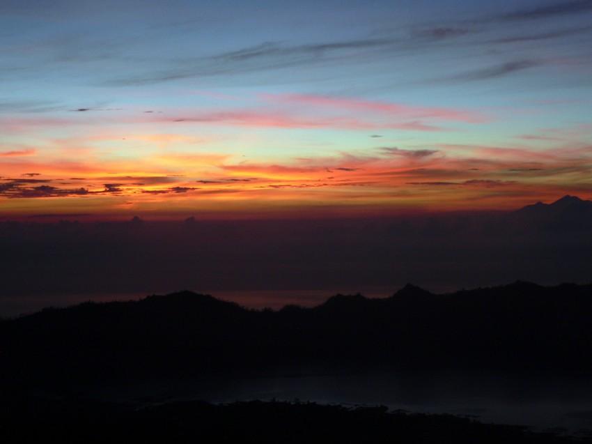Lever de soleil du haut du Mont Batur