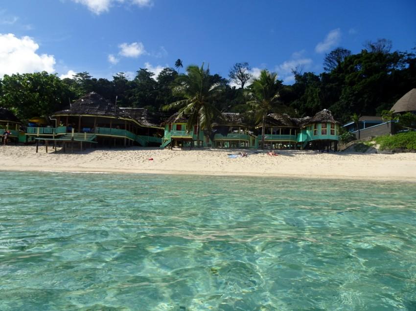 taufua-beach-fale