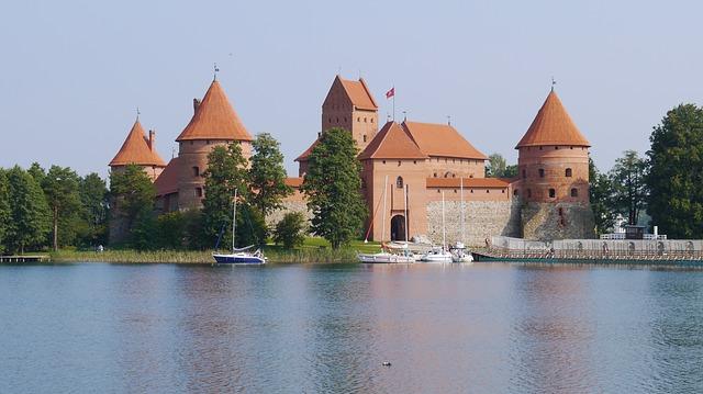 castle-1793829_640